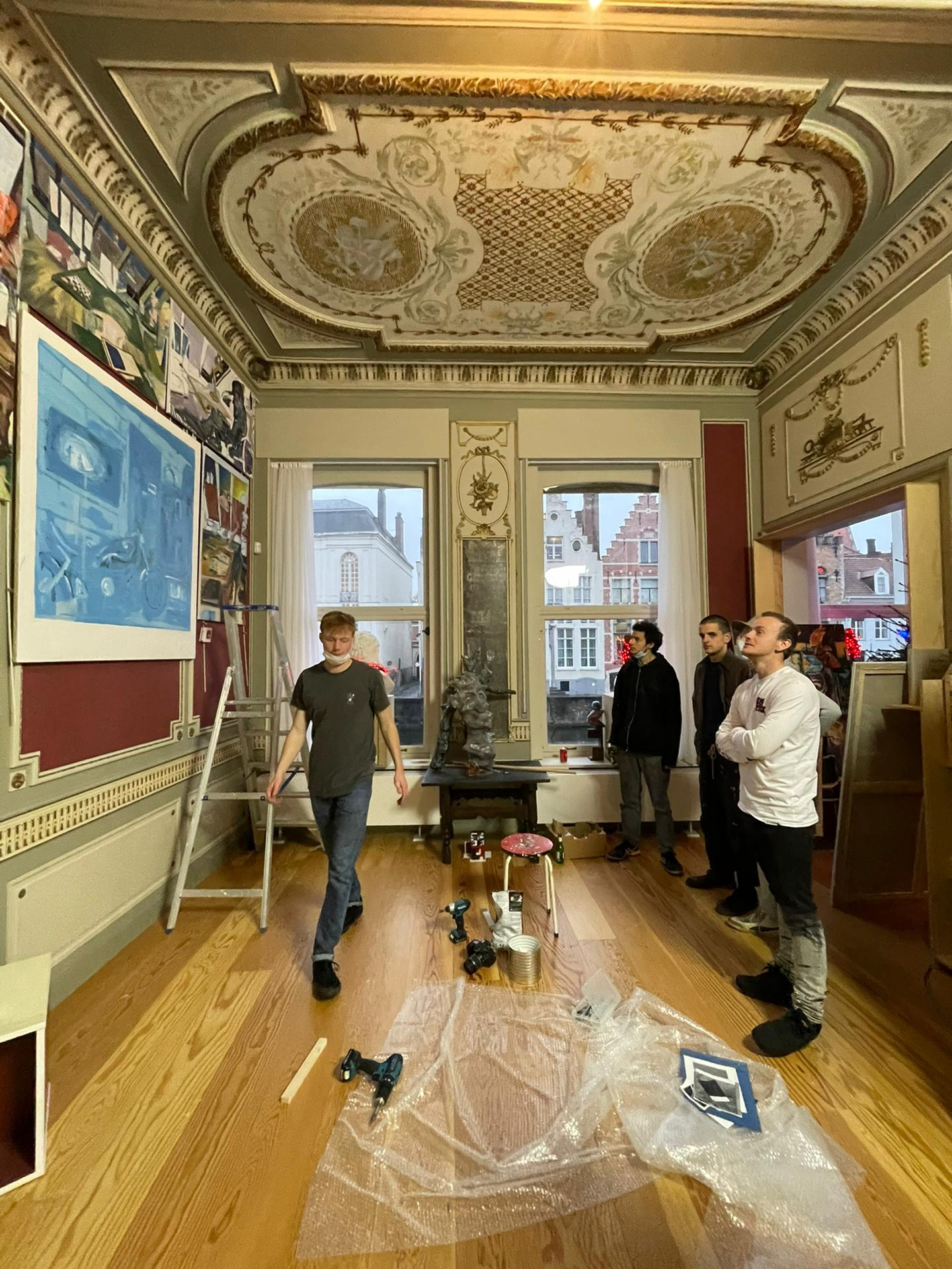 OPBOUW TENTOONSTELLING YOUNG FLEMISH MASTERS